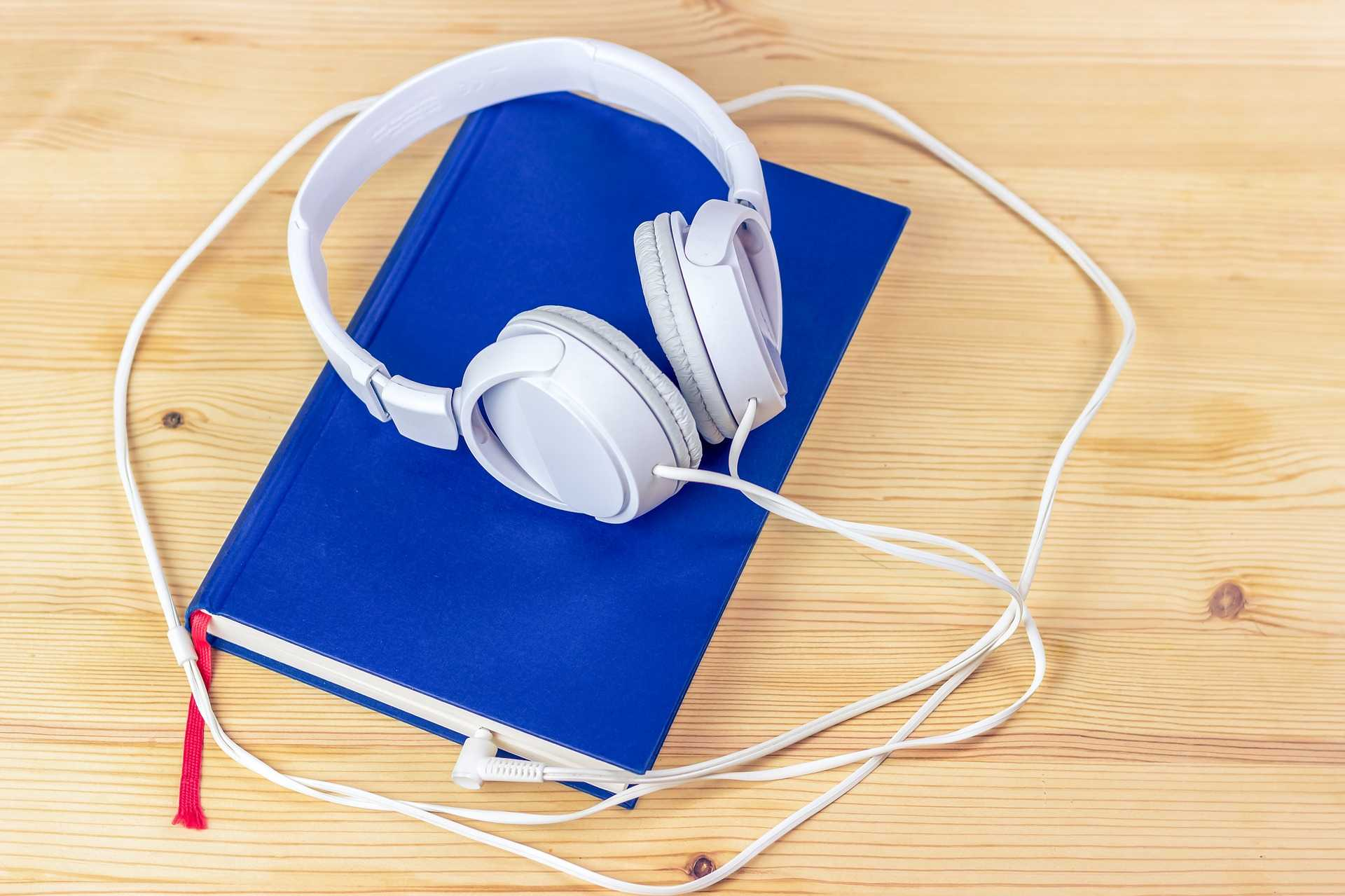 Five Best Apps for Audio Book Listening